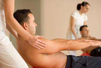 Koordinationsübung mit Stärkung der Bauchmuskulatur