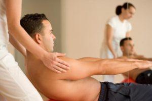 Prävention bei Physiopoint München - Übung zur Kräftigung der Bauchmuskeln
